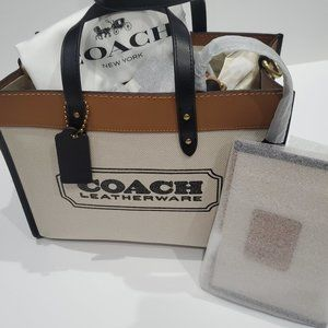 COACH FIELD TOTE 30 WITH COACH BADGE - NEW W/TAGS